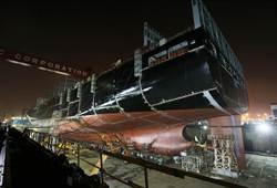 疑建造中船隻倒塌 高雄台船6工人傷