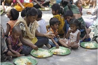 誰在挨餓?是誰在製造飢餓?