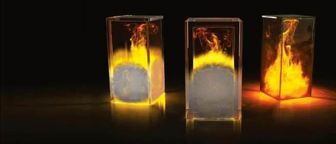 皮爾金頓防火玻璃使用了超白玻璃,透光率可高達87%。在防火玻璃業界中,此高透光率獨步全球業界。