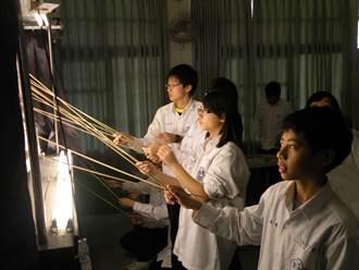 清泉國中發展光影偶戲 讓孩子發覺自己亮點