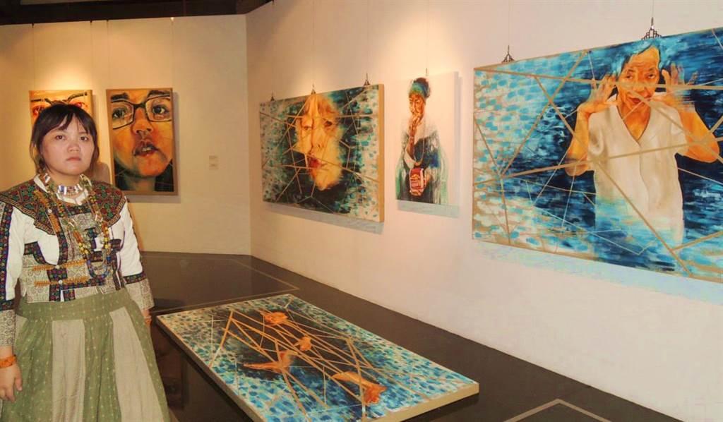 排灣族藝術家馬郁芳,用畫筆畫出傳統與現代文化的衝突,及她尋找立足之地的過程(潘建志攝)