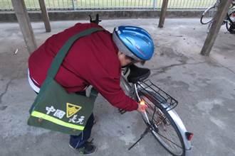 日友公司、斗南扶輪社贈鐵馬 照亮孩童返家路