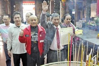 強調攻擊陳學聖文宣為真 麵店老板廟裡發毒誓