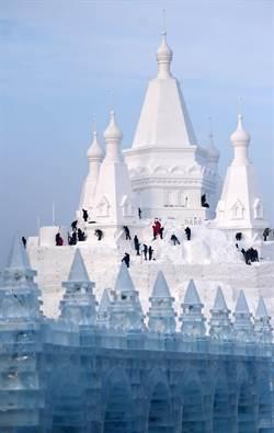 圖輯:世界最高雪塑建築
