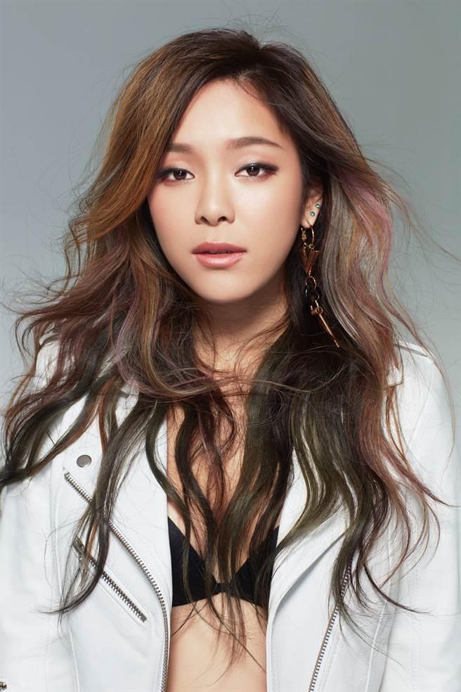 加拿大華裔女歌手九九在台推出個人首張專輯。(十全娛樂提供)