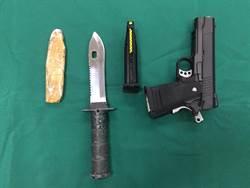 持BB槍搶理髮廳 嫌犯與大媽扭打被逮