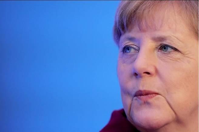 德國警方目前已接到379個跨年夜暴力行為有關的報案記錄,40%與性侵有關,嫌犯大都是難民或非法移民。德國總理梅克爾9日正式提議修改移民和難民法規。(美聯社)