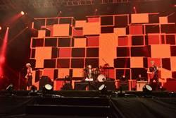 不甩小巨蛋限制 ONE OK ROCK登台嗨唱