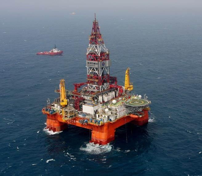 圖為中國海洋石油981鑽油平臺的資料照。(圖/新華社)