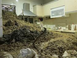 千噸土石坍入宅 受災戶返家過年成空