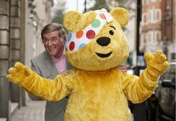 BBC傳奇播報員電台主持人Terry Wogan爵士享年77歲