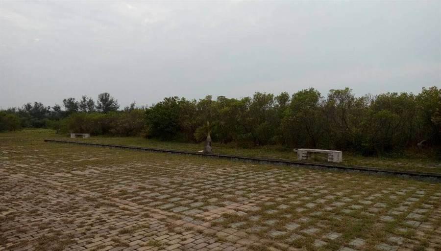 台南市環保局表示,未來掩埋場飽和後,會復育回防風林。圖為現有掩埋場復育圖。(台南市環保局提供)