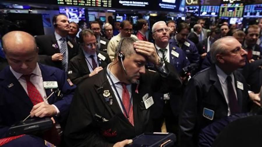 全球股市空頭肆虐,連景氣最好的美股,今年也創下史上最慘開年紀錄。(美聯社)