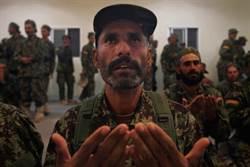 阿富汗塔利班自殺攻擊 至少20死