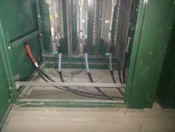 老鼠咬斷保險絲 台鐵新左營站停電20分鐘