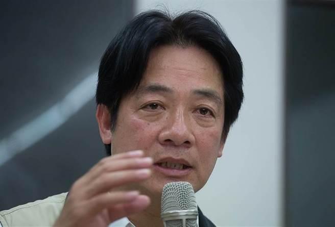 台南市長賴清德在災後記者會上表示:「也許他有強烈責任感,堅持到最後一刻,等所有人都離開的時候,他才要離開」。(方濬哲攝)