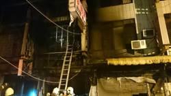 台中機車行深夜火警 5人受傷