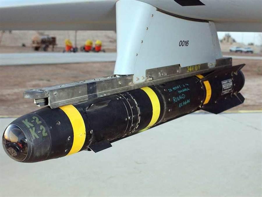 美國無人機上裝備的地獄火導彈。(圖取自montrealgazette.com)