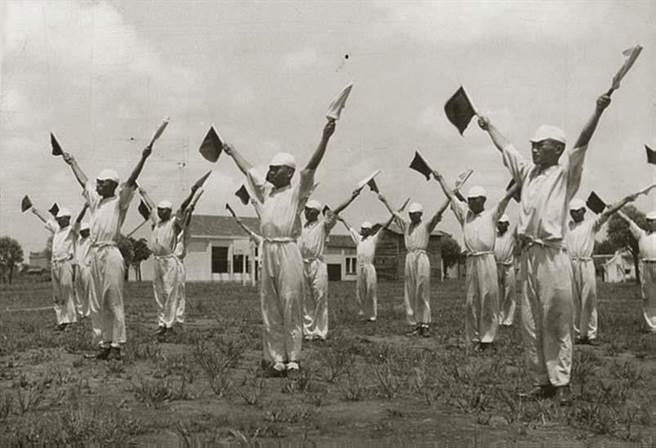雖然日本海軍始終吝於提供汪精衛政權現代化的軍艦,但是他們在上海中央海軍學校建立的訓練制度,卻仍為戰後中國,尤其是中華人民共和國留下了一支強大的戰略預備軍。(中國軍艦博物館)