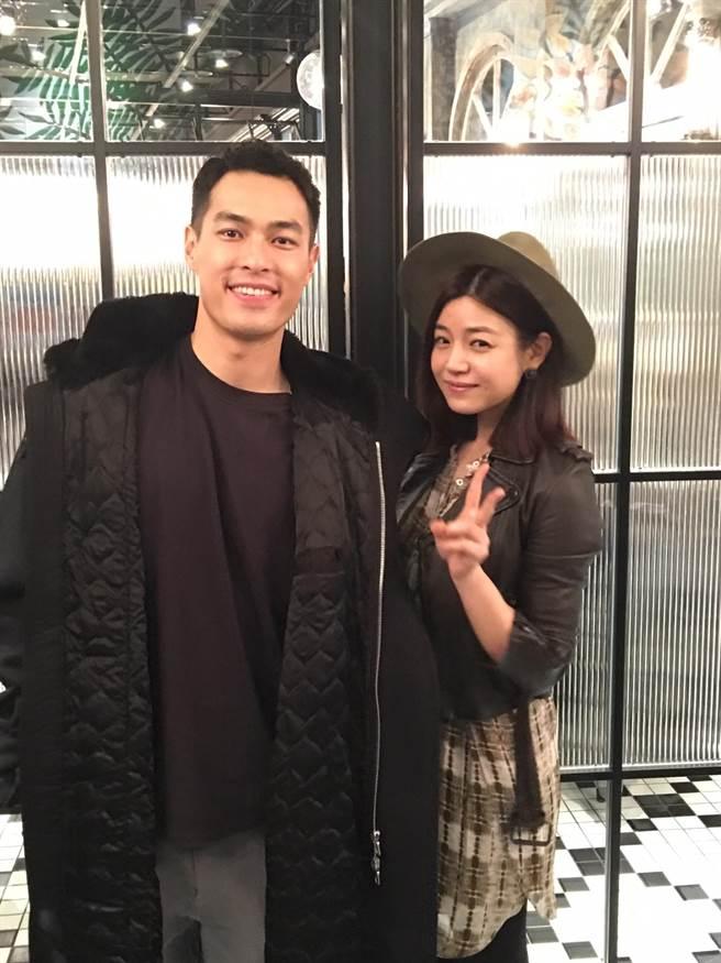 陳妍希(右)和楊祐寧今晚出席公司春酒。(洪秀瑛攝)
