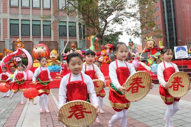 台灣彰化燈會20日起至3月6日在彰化藝術館、利和停車場登場。(吳敏菁攝)