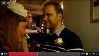 空姐在高空舉行婚禮 背後原因超催淚!