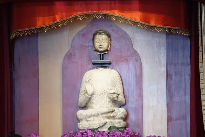 河北釋迦牟尼佛金身合璧,3月1日將從高雄佛光山運返大陸河北博物館永久收藏。(柯宗緯攝)