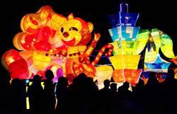 台北燈節最後一天 花燈聲光秀民眾驚呼陶醉