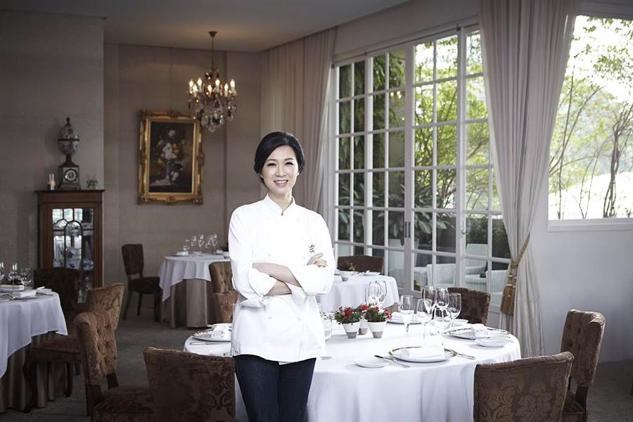 美女主廚陳嵐舒在台中主持的樂沐餐廳,今年再度進入「亞洲最佳50餐廳」榜單並名列第30。(圖/Le Mout)