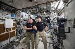 美俄太空人結束一年太空站任務返回地球