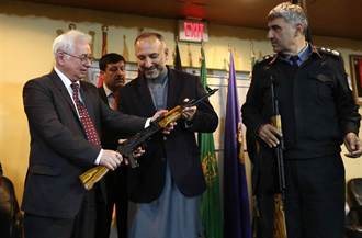 俄羅斯捐贈一萬支AK-47步槍給阿富汗政府