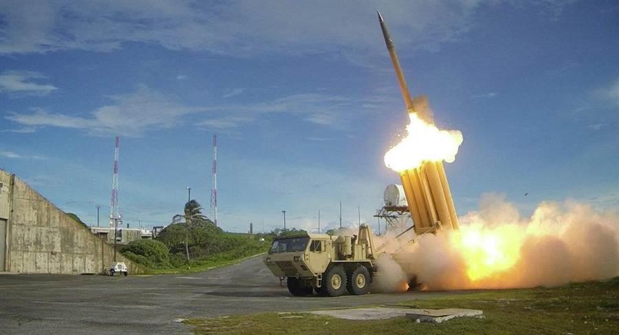 「戰區高空防禦飛彈系統」(或稱「薩德」反導系統)。(照片由美國飛彈防衛署發布)