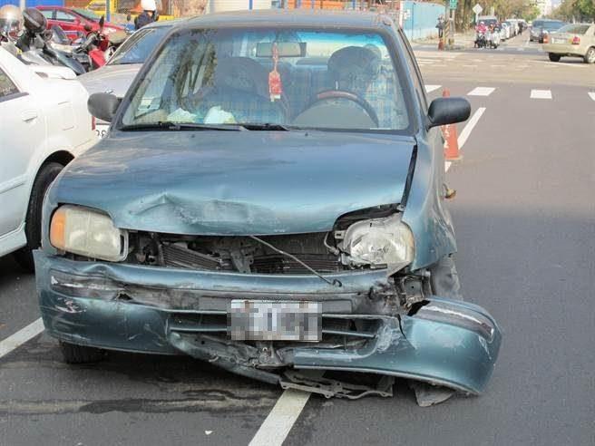 中市發生1起車禍。(陳淑芬攝)