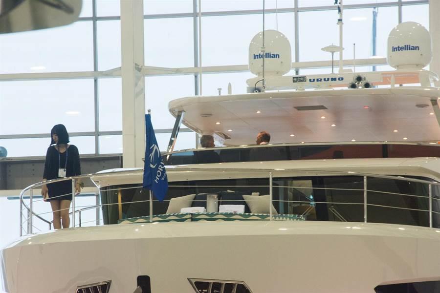 今日遊艇展開幕,開放遊艇製造銷售業者參觀。(林宏聰攝)