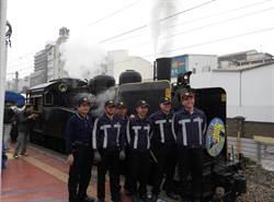 百年蒸汽火車入雲林 車迷瘋狂