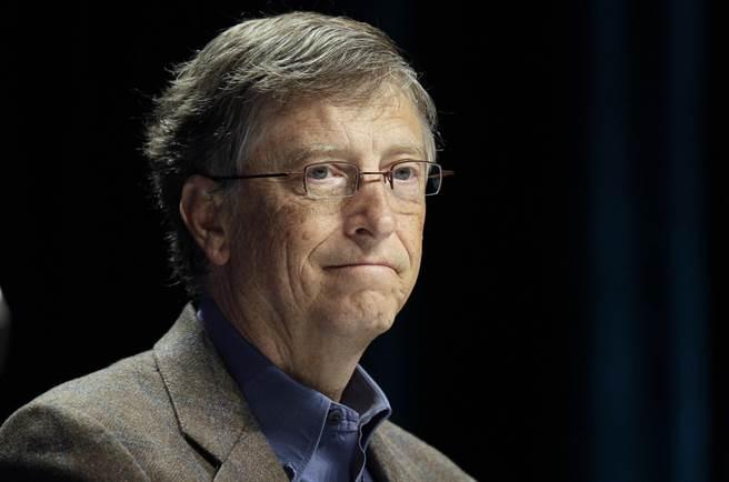 微軟創辦人比爾蓋茲以894億美元資產,蟬聯全球最有錢的科技人。(美聯社)