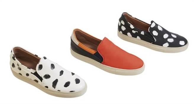 PAUL SMITH黑色油墨白色休閒鞋建議售價25,800元;橘黑色塊皮革休閒鞋 建議售價20,800元;白色油墨黑色休閒鞋建議售價25,800元。。圖片提供/PAUL SMITH