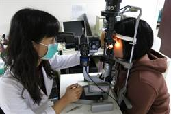 幫角膜穿塑身衣 學童恢復清晰視力