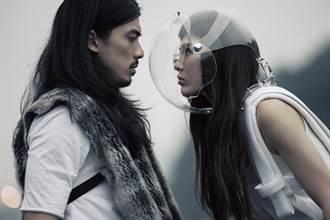 魏如昀拍MV 對長髮鬍渣男模動心