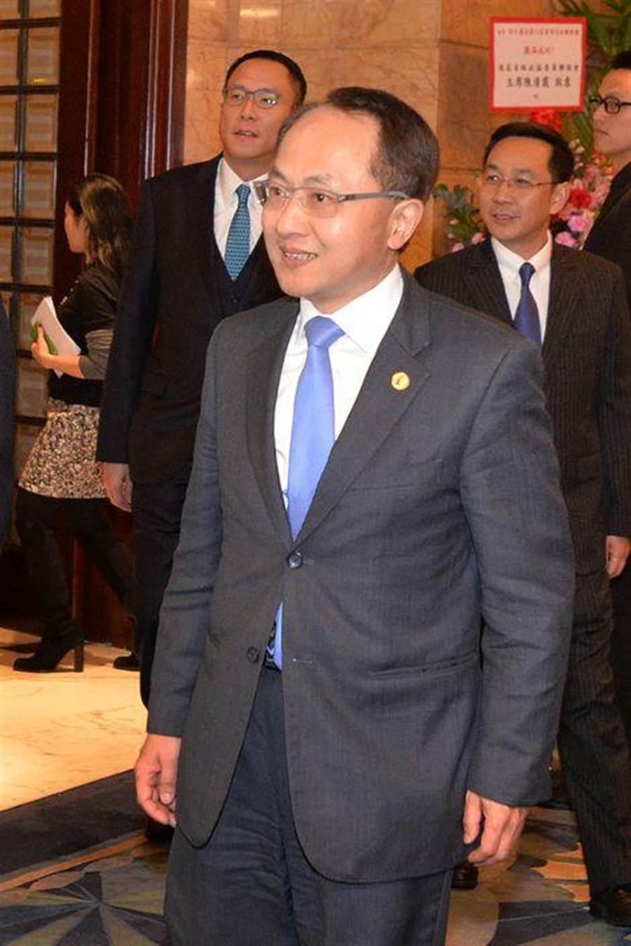 主張建立香港共和國的「香港民族黨」27日宣布成立,大陸國務院港澳辦副主任王志民痛批其「嚴重違法」。(翻攝自鳳凰網)