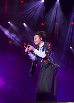 陳奕迅闖樂壇21年 走出迷惘暖唱人生