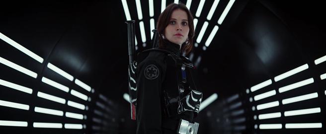 ↑費莉絲蒂瓊斯在《星際大戰外傳:俠盜一號》正邪難辨。(取材自YouTube)