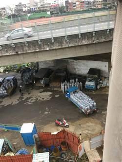 瓦斯堆放小貨車 議員:不定時炸彈