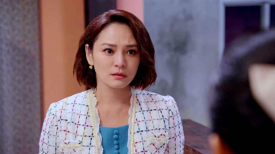 梁家榕在《1989一念間》飾演嫌貧愛富的虎媽。(三立提供)