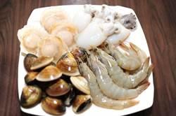火鍋料檢驗 小蒙牛、阿官火鍋冷凍白蝦漂白劑超標