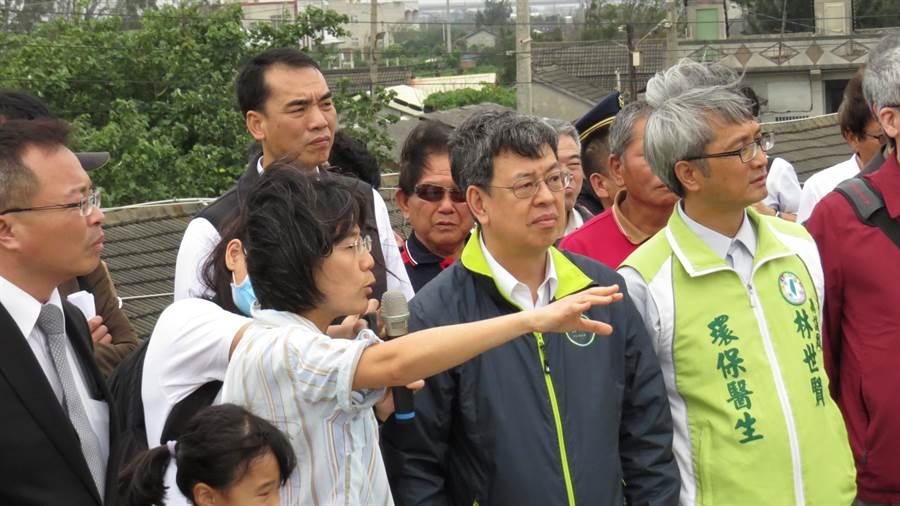 準副總統陳建仁下午走訪彰化大城台西村,了解雲林六輕汙染情形。(鐘武達攝)