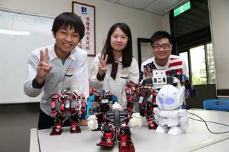 光復中學研究機器人 製迷你版鋼鐵擂台