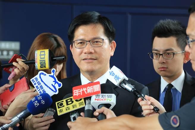 台中市長林佳龍捐出一個月薪水賑災,希望熊本盡快重建。(盧金足攝)