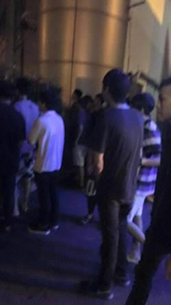 彰化市金馬路KTV 凌晨百人聚眾砸車