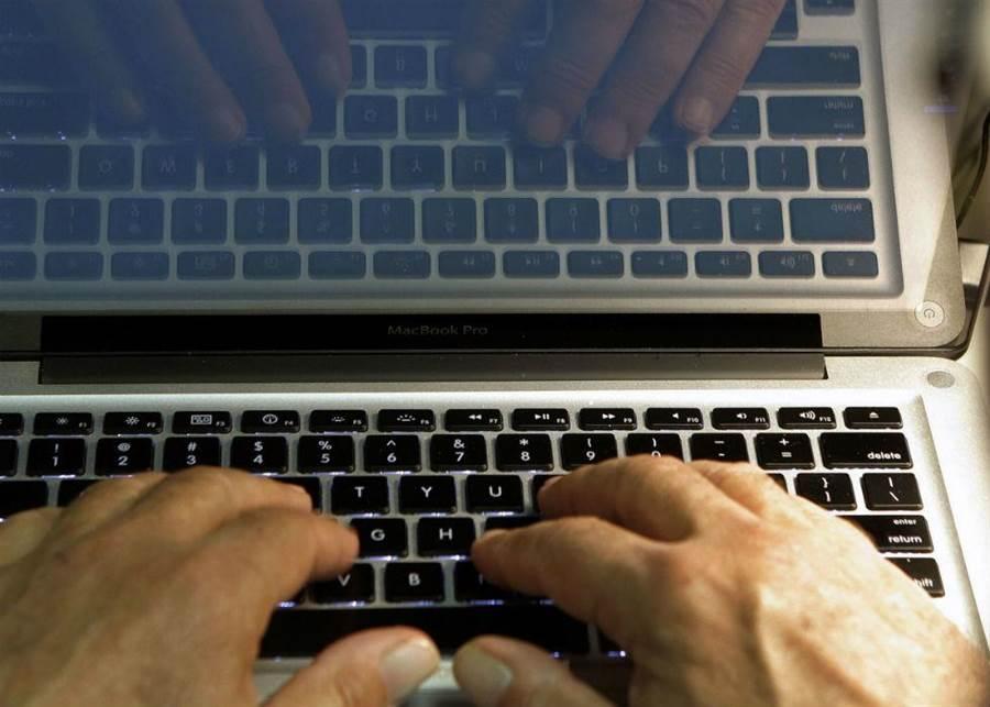 網路作戰是新型態的戰爭方式,也能達到心戰效果。(圖/美聯社)